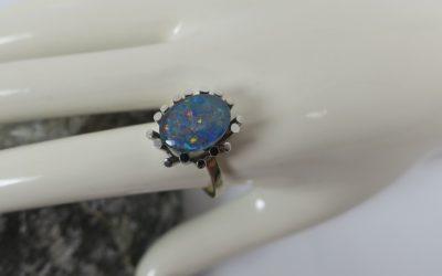 Vintage Ring / Damenring mit Opal / Opalring 333 Gold