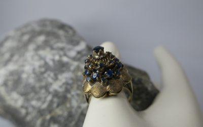Vintage Damenring / Ring mit Saphiren 585 / 14k Gold – Blütenring Handarbeit