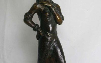 Bronze Indiofrau / Indio Frau mit Korb ~ 1930 Figur / Skulptur / Plastik