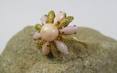 Vintage Ring Damenring Blüten Form 750 / 18k Gold – Koralle / Engelshautkoralle / Korallenring